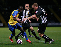 Photo: Steve Bond.<br />Notts County v Hereford United. Coca Cola League 2. 02/10/2007. Theo Robinson (L) attampts to go outside Stephen Hunt (R)