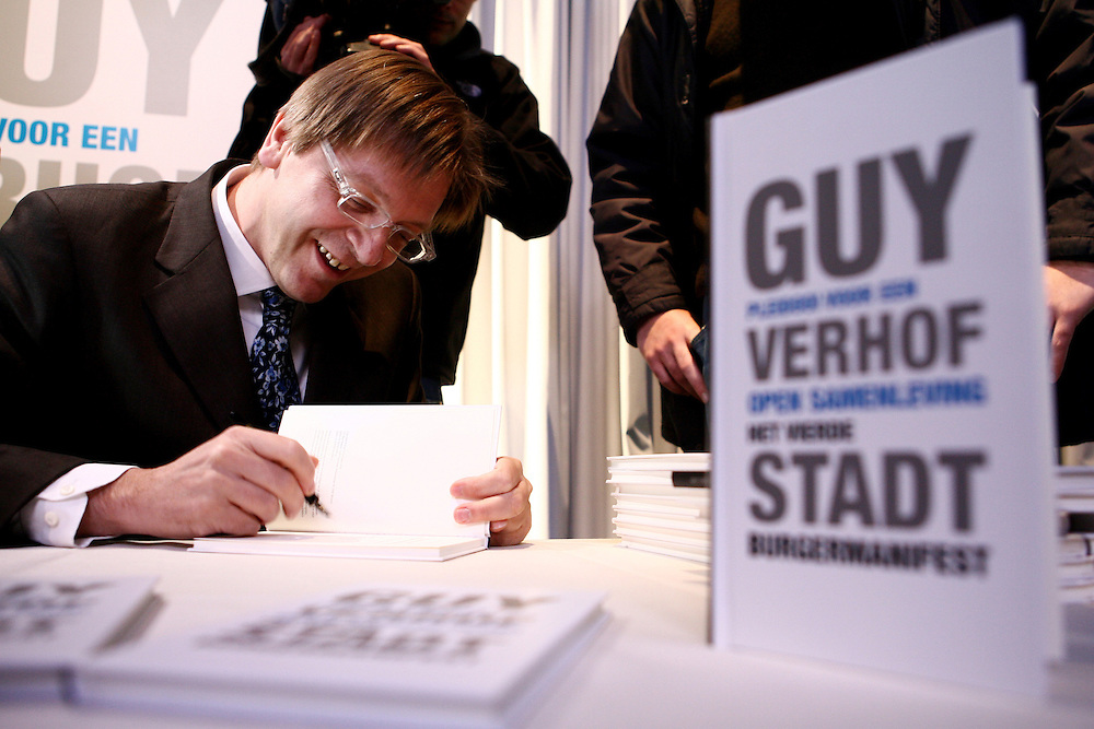 "Belgium - Brussels - 20 December 2006 - Presentation of the book "" pleading for an open society the fourth citizen manifest "" written by the belgian prime minister, Guy Verhofstadt. © Scorpix / P.Mascart"