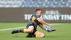 Worcester Warriors Duncan Weir scores their second try during the Gallagher Premiership match at Sixways Stadium, Worcester.