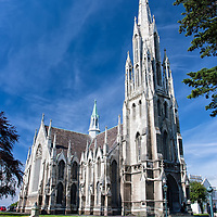 The Presbyterian Church of Otago, set in the city center of Dunedin.