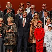 NLD/Amsterdam/20150926 - Afsluiting viering 200 jaar Koninkrijk der Nederlanden, optredende artiesten en de Koninklijke Familie,