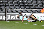 Scott Cummings of Glasgow Warriors scores his teams 3rd try. Guinness Pro14 rugby match, Ospreys v Glasgow Warriors Rugby at the Liberty Stadium in Swansea, South Wales on Sunday 26th November 2017. <br /> pic by Andrew Orchard, Andrew Orchard sports photography.