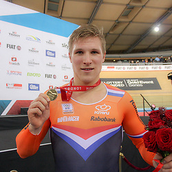 07-12-2014: Wielrennen: WB baan: Londen  <br /> Jeffrey Hoogland (Nijverdal) wint de WB sprint manche in London