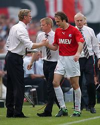 01-06-2003 NED: Amstelcup finale FC Utrecht - Feyenoord, Rotterdam<br /> FC Utrecht pakt de beker door Feyenoord met 4-1 te verslaan / Igor Gluscevic, John van Loen, Foeke Booij