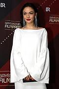 Emma Drogunova auf dem Roten Teppich anlässlich der Verleihung des 41. Bayerischen Filmpreises 2019 am 17.01.2020 im Prinzregententheater München.
