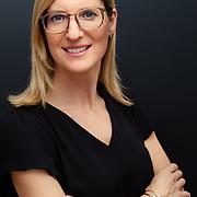 Businessportrait einer 40-jährigen Frau in München, Deutschland.
