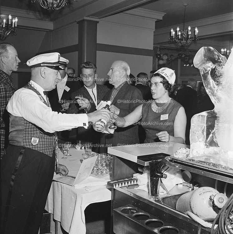 Y-620916. Gearhart. Oregon Restaurant association. Hotel Gearhart, Surfside Motel. September 16/17/18, 1962