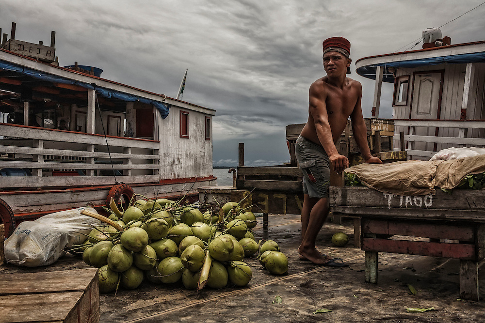 Brazil, Amazonas, rio Negro, Manaus. <br /> <br /> Quartier du port. Docker.