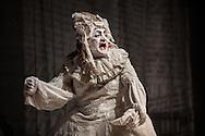 """Il back stage  del teatro della Tosse di Genova, dove i detenuti attori della compania della Fortezza hanno rammpresentato 'Hamlice """" tratto da 'Alice nel Paese delle meraviglie' , regia Armando Punzo."""