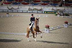 Bechtolsheimer Laura (GBR) - Mistral Hojris <br /> European Championship Dressage Windsor 2009<br /> © Hippo Foto - Dirk Caremans