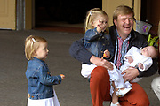 Fotoshoot dutch royal family with the crownprince Willem Alexander, princess Maxima and their childeren Amalia, Alexia and baby Ariane