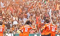 BLOEMENDAAL - Bloemendaal-publiek  EHL achtste finale tussen Bloemendaal en UHC Hamburg (2-1). COPYRIGHT KOEN SUYK