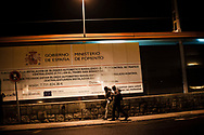 Some African migrants who arrived on the night bus decide to go with their contact instead of going to the Red Cross device with volunteers. Irun (Basque Country). December 28, 2018. A group of volunteers has created a host network to serve migrants and inform about the public services they are entitled to and the ways to cross the border. This group of volunteers is avoiding a serious humanitarian problem Irun, the Basque municipality on the border with Hendaye. As the number of migrants arriving on the coasts of southern Spain incresead, more and more migrants are heading north to the border city of Irun. French authorities have reacted by conducting random checks as far as the city of Bordeaux, more than 200 kilometers north of the border. Migrants who are caught are then deported back to Irun. (Gari Garaialde / Bostok Photo).