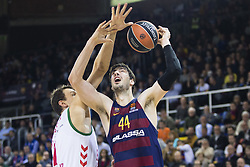 January 27, 2017 - Barcelona, Spain - Ante Tomic of FC Barcelona defended by Johannes Voigtmann of Baskonia during the Euroleague Turkish Airlines EuroLeague regular season between FC Barcelona vs Baskonia Vitoria Gasteiz at Palau Blaugrana on January 28th, 2017 in Barcelona, Spain. (Credit Image: © Xavier Bonilla/NurPhoto via ZUMA Press)