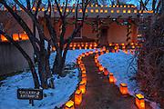 Christmas Eve, Canyon Road, Santa Fe, New Mexico, USA.