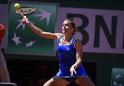 June 1, 2017 - Roland Garros Porte D Auteuil, France - 5e  journee :  Alize Cornet vs Barbora Strycova ces (Credit Image: © Panoramic via ZUMA Press)