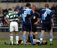 Fotball<br /> Coca Cola League Two 2004/2005<br /> 06.11.2004<br /> Foto: SBI/Digitalsport<br /> NORWAY ONLY<br /> <br /> Wycombe Wanderers v Yeovil Town<br /> <br /> Wycome'  goalie Frank Talia lies injured on the ground.