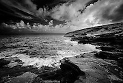 A black and white picture of the Lanai Lookout on the east end of Oahu, Hawaii,
