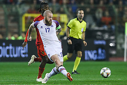 2018?11?16?.    ??????——?????????????.    11?15???????Aron Gunnarsson???????.    ??????????????????????A??2????????????2?0??????.    ????????? ?32?0?496539019..SP-FOOTBALL-UEFA NATIONS LEAGUE-BELGIUM-ICELAND.Aron Gunnarsson of Iceland passes the ball during a League A Group 2 match of the UEFA Nations League between Belgium and Iceland at the King Baudouin Stadium in Brussels, Belgium, Nov. 15, 2018. Belgium beat Iceland by 2-0. (Credit Image: © Zheng Huansong/Xinhua via ZUMA Wire)