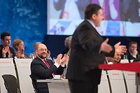 26 JAN 2014, BERLIN/GERMANY:<br /> Martin Schulz (L), SPD, Praesident des Europaeischen Parlamentes und SPD Spitzenkandidat zur Europawahl, applaudiert waehrend der Rede von Sigmar Gabriel (R), SPD Parteivorsitzender und Bundeswirtschaftsminister, a.o. SPD Bundesparteitag, Arena Berlin<br /> IMAGE: 20140126-01-189<br /> KEYWORDS: party congress, Parteitag, Applaus, klatscht, klatschen