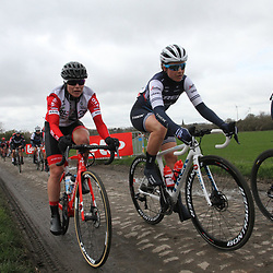03-03-2020: Wielrennen: GP Le Samyn: vrouwen: Dour: Audrey Cordon: Marieke van Witzenburg