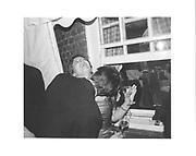 Amery Burnham and Tom Wells. Charlotte Stewart-Sandeman 21st. Culross St. Mayfair. London. 19/9/86. © Copyright Photograph by Dafydd Jones 66 Stockwell Park Rd. London SW9 0DA Tel 020 7733 0108 www.dafjones.com