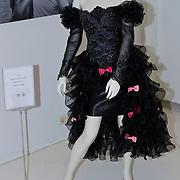 NLD/Amsterdam/20100512 - Opening expositie songfestivaljurken getiteld 'May we have your dress please?! , jurk van Justine Pelmelay