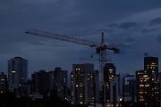 Belo Horizonte_MG, Brasil...Construcao de predio na regiao da Avenida Prudente de Morais, zona sul de Belo Horizonte, Minas Gerais...Building construction in Prudente de Morais avenue in the south of Belo Horizonte...Foto: MARCUS DESIMONI / NITRO