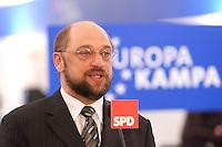 12 JAN 2004, BERLIN/GERMANY:<br /> Martin Schulz, MdEP, SPD Spitzenkandidat, eroeffnet den Europa Wahlkampf mit einer Pressekonferenz und einer Besichtigung der SPD Europa Kampa, Wahlkampfzentrale fuer die Wahl des Europaeischen Parlamentes im Willy-Brandt-Haus<br /> IMAGE: 20040112-02-002<br /> KEYWORDS: Eröffnung, Eroeffnung