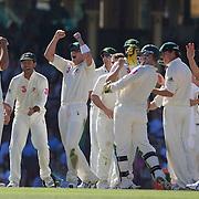 Australia celebrate the dismissal of Mohammad Sami on review during the Australia V Pakistan 2nd Cricket Test match at the Sydney Cricket Ground, Sydney, Australia, 6 January 2010. Photo Tim Clayton