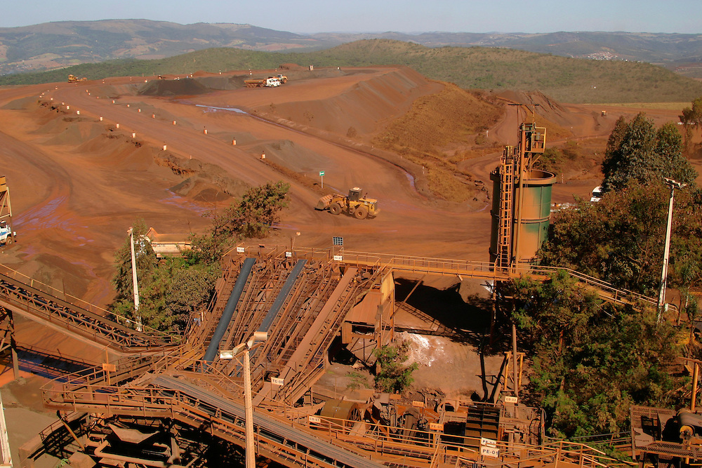 Itauna_MG, Brasil...Vista panoramica da mineracao em Itauna...Panoramic view of mining in Itauna...FOTO: BRUNO MAGALHAES /  NITRO