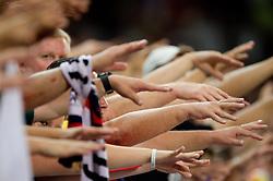 10-10-2011 ALGEMEEN: HANDEN IN DE SPORT: AL OVER THE WORLD<br /> Handshaking, handen, signs, handje klap, begroeting, handshaking, yell, bal, vreugde, hands, celebrate, sport, sports, item<br /> ©2012-FotoHoogendoorn.nl