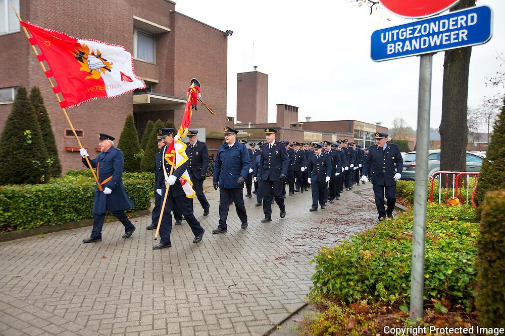 370926-Brandweerkorp Herentals viert Sint-Barbara met optocht door de stad-Oudstrijderslaan Herentals