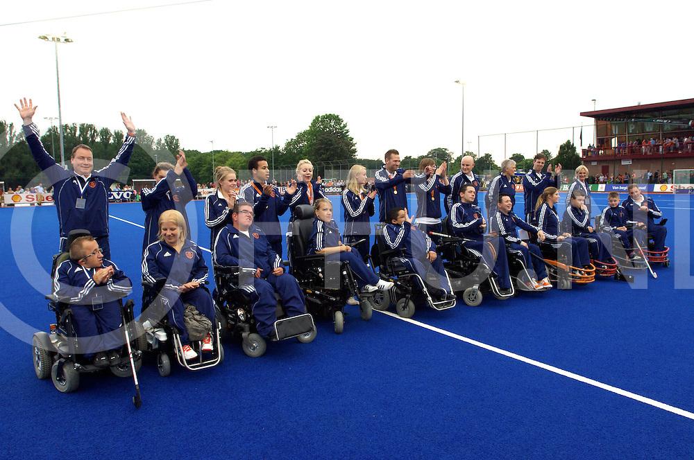 ARNHEM - Rolstoel hockeyteam  Europees kampioen<br /> Foto: huldiging team.<br /> FFU PRESS AGENCY COPYRIGHT FRANK UIJLENBROEK