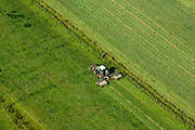 Nederland, Utrecht, De Bilt, 08-07-2010; Polder Achttienhoven, tractor maait gras..Tractor mowing grass..luchtfoto (toeslag), aerial photo (additional fee required).foto/photo Siebe Swart