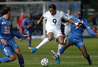 Fotball<br /> Bastia v Olympique Marseille<br /> 7. mars 2004<br /> Foto: Digitalsport<br /> Norway Only<br /> <br /> DIDIER DROGBA (OM) / ALOU DIARRA (BAS) *** Local Caption *** 40001073