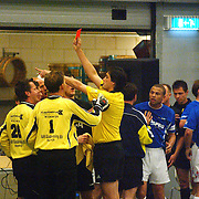 ZVV Hilversum - FC Marlene, vechtpartijen rode kaart  door Roy van de Mye