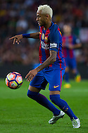 Neymar Jr controls the ball during the La Liga match between Barcelona and Atletico Madrid at Camp Nou, Barcelona, Spain on 21 September 2016. Photo by Eric Alonso.