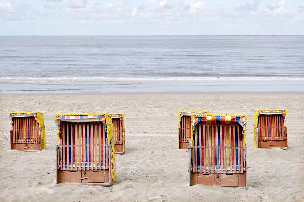Nederland, Egmond aan zee, 27-8-2018Strand met strandhuisjes.Foto: Flip Franssen