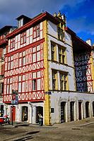 France, Pyrénées-Atlantiques (64), Bayonne, le quai Jaureguibery sur la Nive, la maison Moulys // France, Pyrénées-Atlantiques (64), Bayonne, the Jaureguibery quay on the Nive