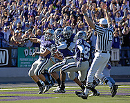 MANHATTAN, KS - NOVEMBER 17:  Wide receiver Ernie Pierce #5 of the Kansas State Wildcats scores after picking up a blocked punt in the second quarter against the Missouri Tigers on November 17, 2007 at Bill Snyder Stadium in Manhattan, Kansas.  Missouri won the game 49-32.  (Photo by Peter Aiken/Getty Images)
