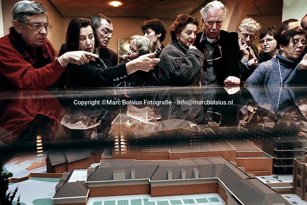 DEN BOSCH,IN HET EUROHOTEL WAS  VOORLICHTINGSAVOND OVER DE TE BOUWEN WONINGEN IN DE PAPENHULST
