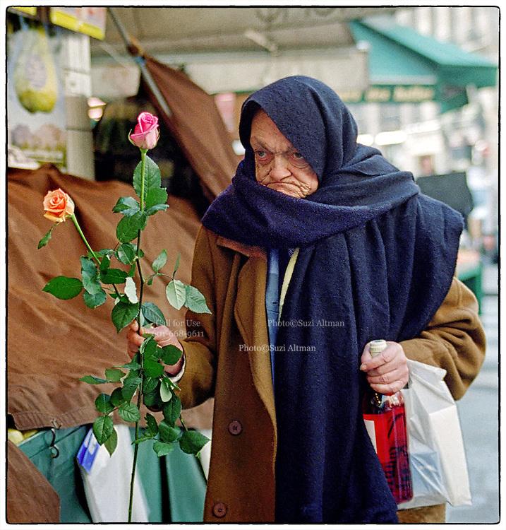 Paris France- Wine & Roses. Photo ©Suzi Altman