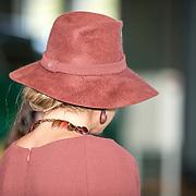 NLD/Utrecht/20191002 - Maxima bij Science Makers Awards, Koningin Maxima met vilten hoed