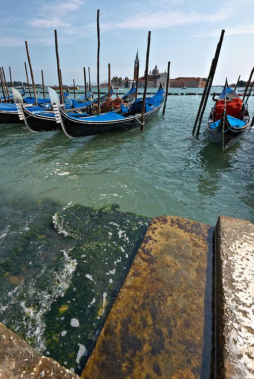 Italy - Venezia - Gondolas