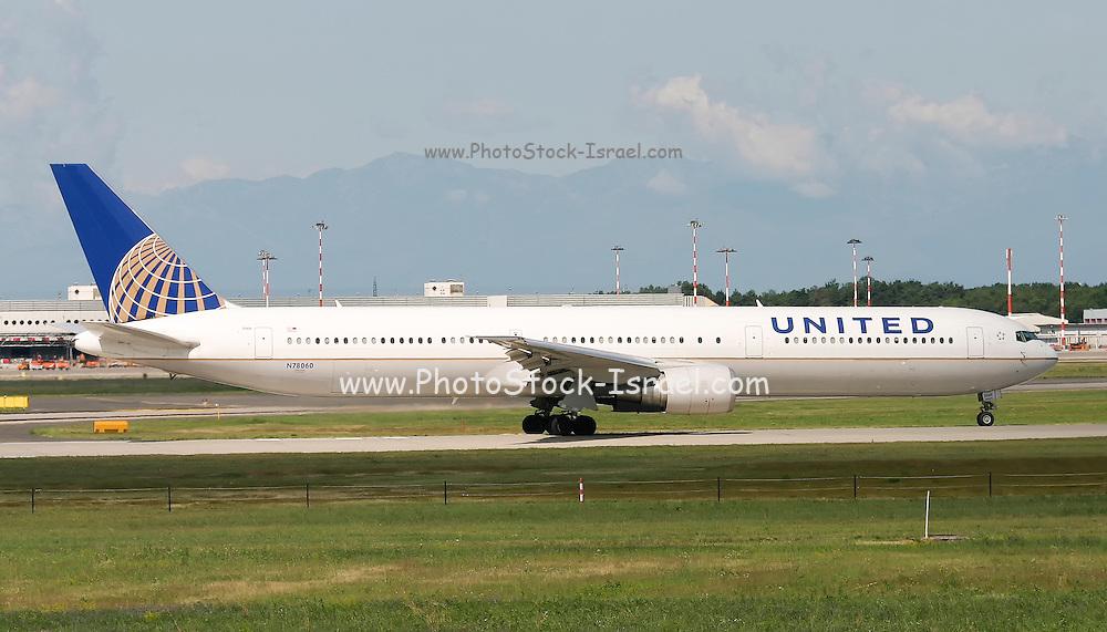 United Airlines Boeing 767-424ER