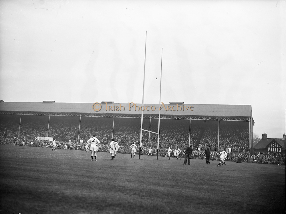 Irish Rugby Football Union, Ireland v England, Five Nations, Landsdowne Road, Dublin, Ireland, Saturday 14th February, 1953,.14.2.1953, 2.14.1953,..Referee- MR A W C Austin, Scottish Rugby Union, ..Score- Ireland 9 - 9 England, ..Irish Team,..R J Gregg, Wearing number 15 Irish jersey, Full Back, Queens University Rugby Football Club, Belfast, Northern Ireland,..M F Lane,  Wearing number 14 Irish jersey, Right wing, University college Cork Football Club, Cork, Ireland,  ..N J Henderson, Wearing number 13 Irish jersey, Right centre, N.I.F.C, Rugby Football Club, Belfast, Northern Ireland,..K Quinn, Wearing number 12 Irish jersey, Left Centre, Old Belvedere Rugby Football Club, Dublin, Ireland,  ..M Mortell, Wearing number 11 Irish jersey, Left wing, Bective Rangers Rugby Football Club, Dublin, Ireland,. . J W Kyle, Wearing number 10 Irish jersey, Stand Off, Captain of the Irish team, N.I.F.C, Rugby Football Club, Belfast, Northern Ireland,..J A O'Meara, Wearing number 9 Irish jersey, Scrum, University college Cork Football Club, Cork, Ireland,  ..W A O'Neill, Wearing number 1 Irish jersey, Forward, University College Dublin Rugby Football Club, Dublin, Ireland, ..R Roe, Wearing number 2 Irish jersey, Forward, Dublin University Rugby Football Club, Dublin, Ireland,..F E Anderson, Wearing number 3 Irish jersey, Forward, Queens University Rugby Football Club, Belfast, Northern Ireland,..T E Reid, Wearing number 4 Irish jersey, Forward, Garryowen Rugby Football Club, Limerick, Ireland, ..J R Brady, Wearing number 5 Irish jersey, Forward, C I Y M S Rugby Football Club, Belfast, Northern Ireland, . .J S McCarthy, Wearing number 6 Irish jersey, Forward, Dolphin Rugby Football Club, Cork, Ireland, ..R Kavanagh, Wearing number 7 Irish jersey, Forward, University College Dublin Rugby Football Club, Dublin, Ireland,..W E Bell, Wearing number 8 Irish jersey, Forward, Collegians Rugby Football Club, Belfast, Northern Ireland,.  .Engish Team,..N M Hall, Wearing number 1 Engish jers