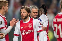 24-05-2017 SWE: Final Europa League AFC Ajax - Manchester United, Stockholm<br /> Finale Europa League tussen Ajax en Manchester United in het Friends Arena te Stockholm / Een teleurgestelde Bertrand Traoré #9 wordt getroost door Jose Mourinho