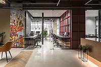 Интерьерная фотосъемка офиса компании SVP Group. Дизайн интерьера: Sorokina Workshop.