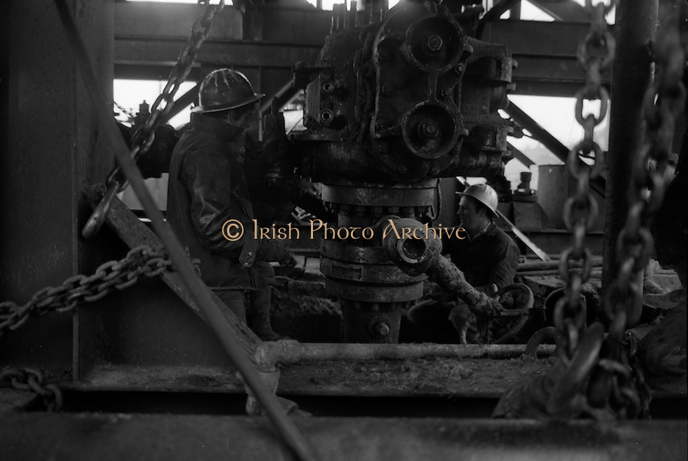 02/02/1963<br /> 02/02/1963<br /> 02 February 1963<br /> Ambassador Oil drilling site, Glengevlin, Dowra, Co. Cavan. Adapting quickly these local lads working on the drill see a spark of hope for future prosperity in their newly acquired jobs. (original caption)